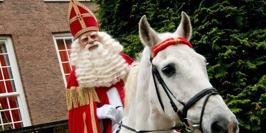Bram van der Vlugt ontvangt Sinterklaasprijs