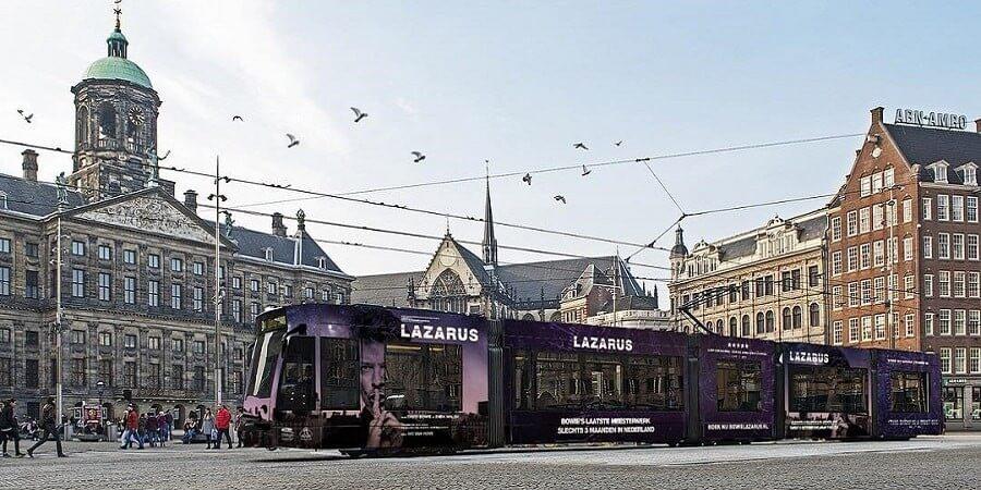 Lazarus-tram ter ere van David Bowie