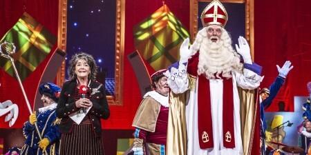 Sinterklaasjournaal: hier staat Sinterklaas in het theater