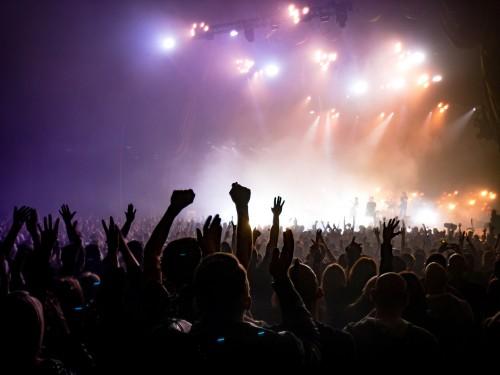Waar gaan we dit najaar heen? Veel artiesten komen met extra én nieuwe shows!
