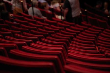 """Cabaret voor 30 man erg wennen voor komieken: """"echt intiem wordt het niet"""""""
