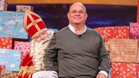 Sint op bezoek bij Paul de Leeuw op RTL 4