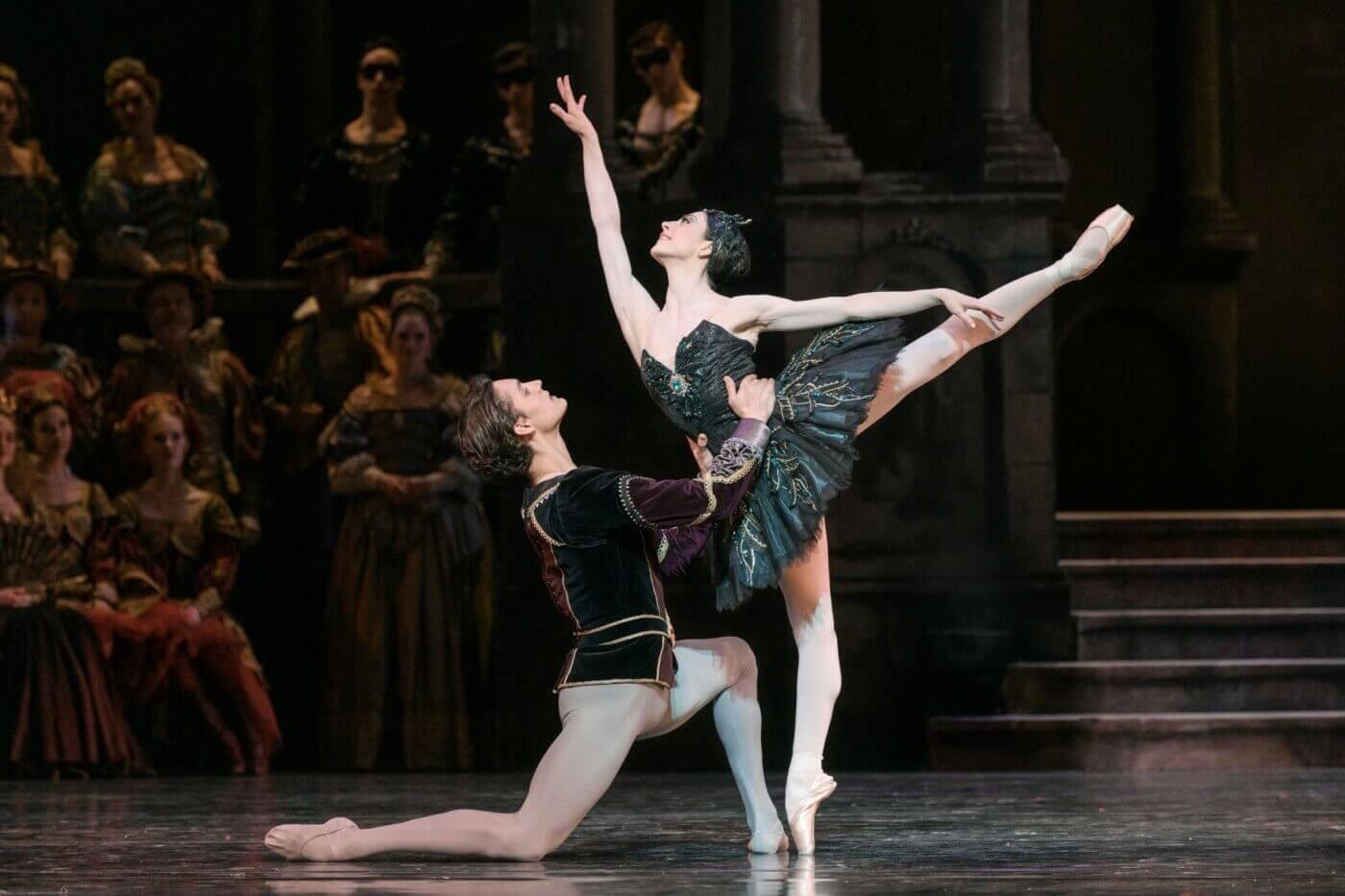 Het Nationale Ballet - Het Zwanenmeer - Foto Marc Haegeman