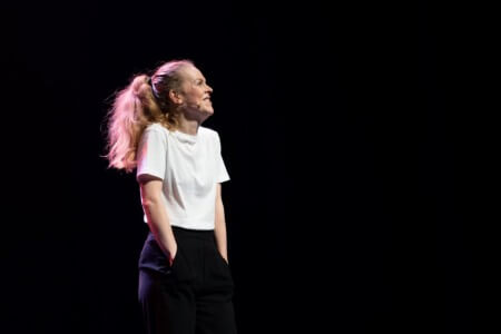 Lisa Ostermann overtuigend naar winst op Leids Cabaret Festival 2020