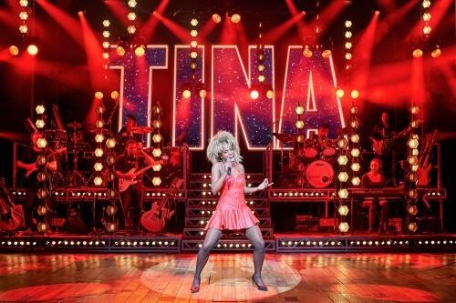 Beleef het thuisconcert van de TINA - De Tina Turner Musical-cast